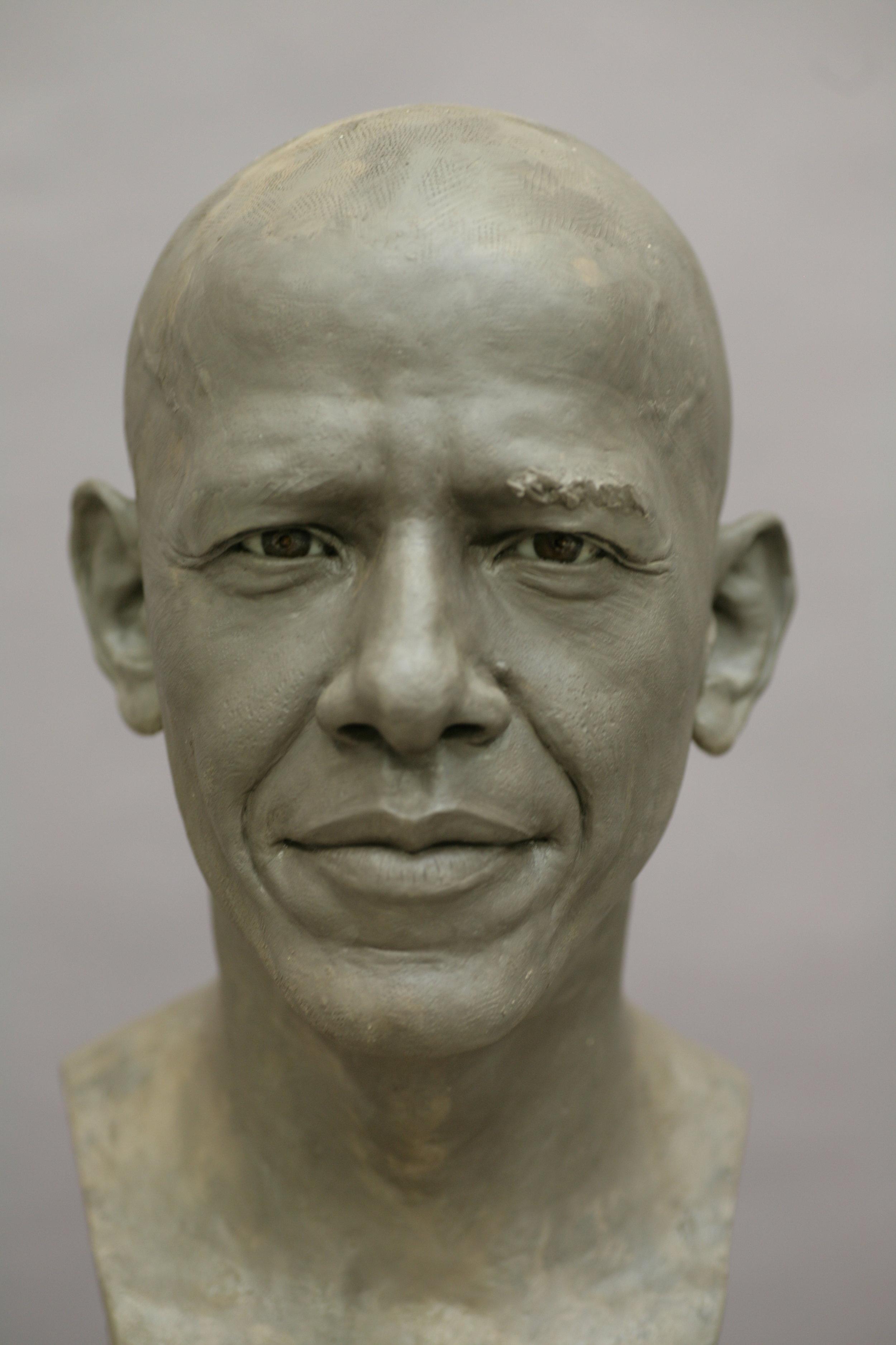 Barack Obama - Sculpture en terre par Eric Saint Chaffray - Credit Musée Grévin