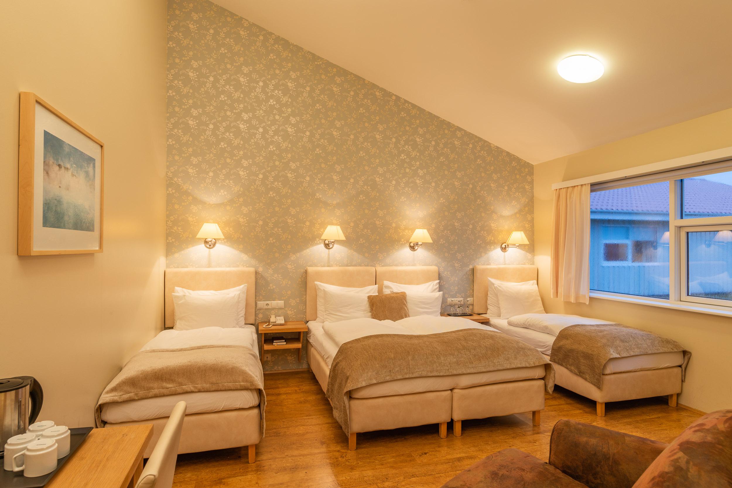 Northern Light Inn Family Room