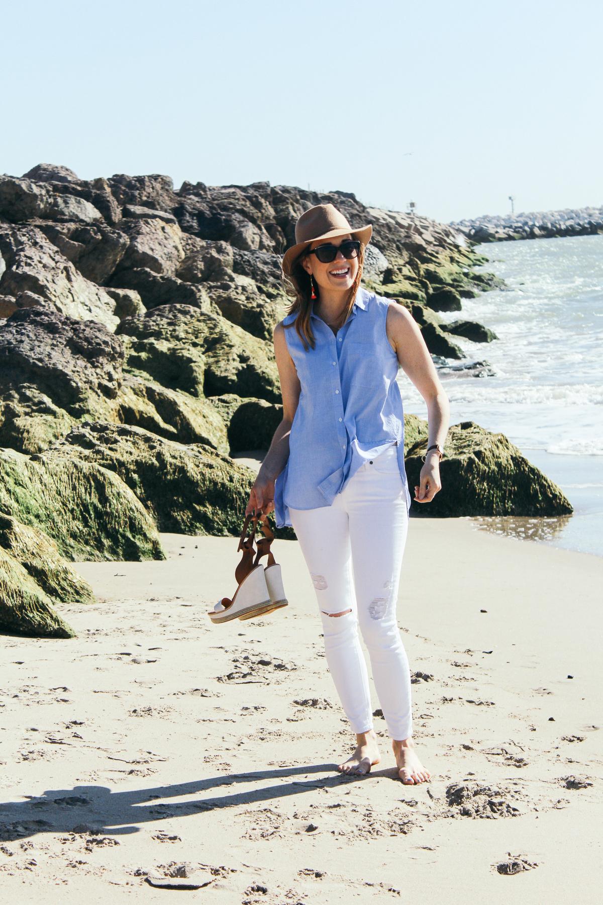 spring style, summer style, resort style, distressed white denim, platform sandals, fringe earrings, nude felt hat