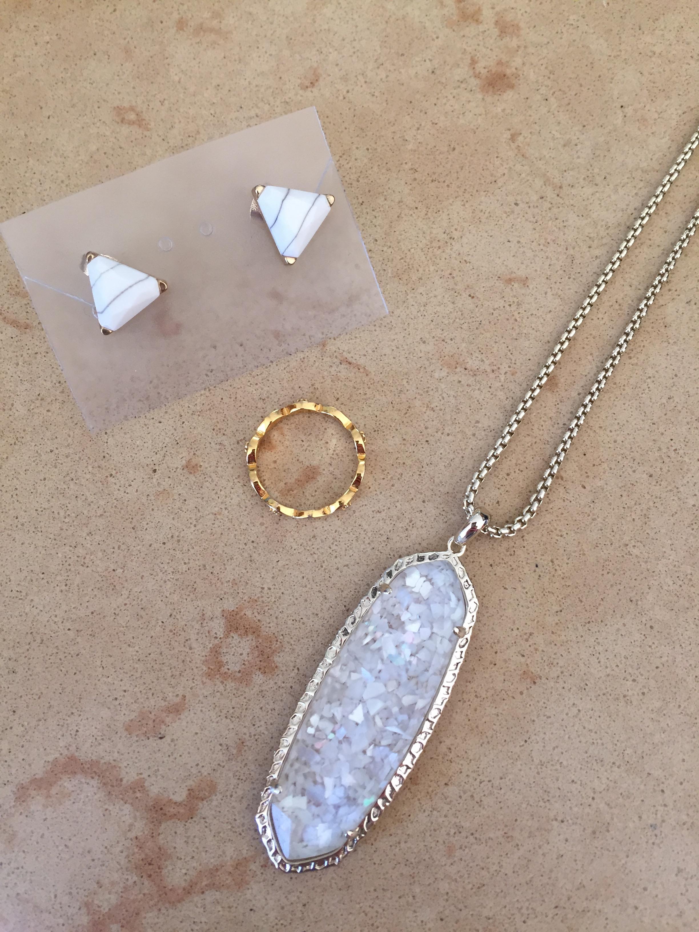 Women's fashion jewelry