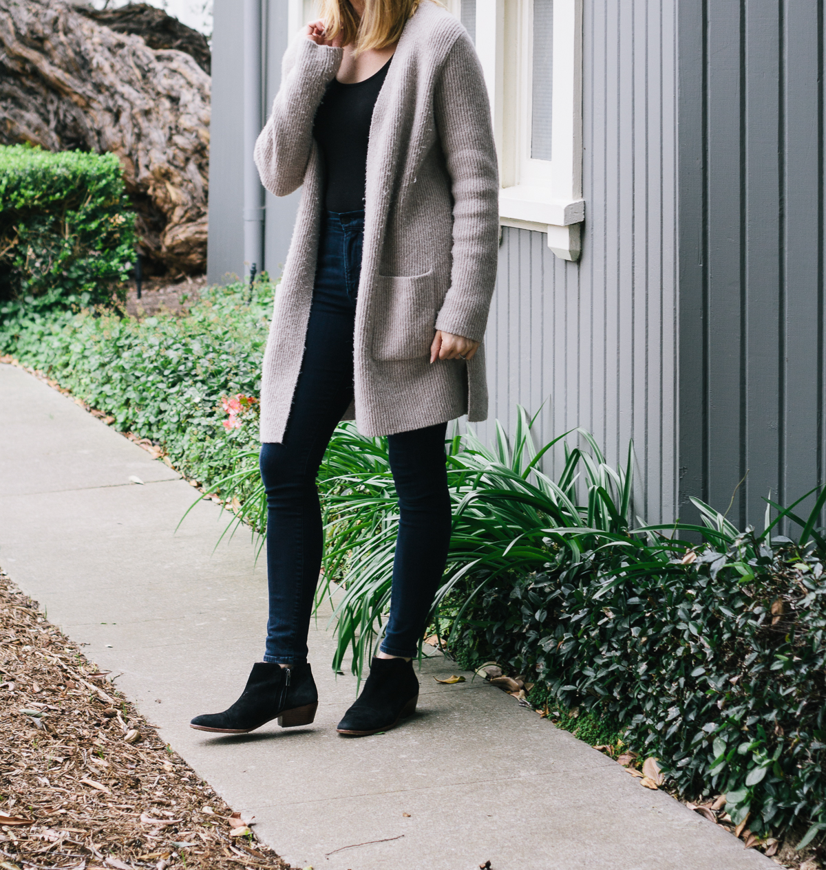 bodysuit, skinny-jeans, maxi-cardigan, sweater-jacket, ankle-boots, black-suede-booties