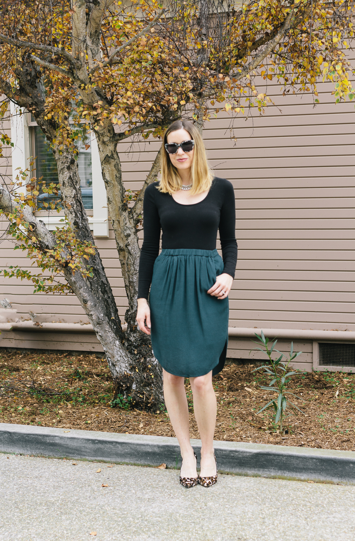 holiday style, holiday fashion, women's holiday outfit, holiday skirt, bodysuit
