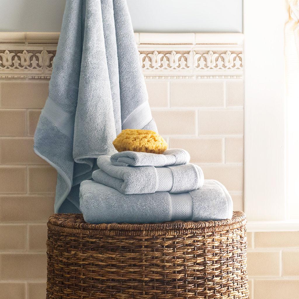 Blue-Towels-Glam-Feed.jpg