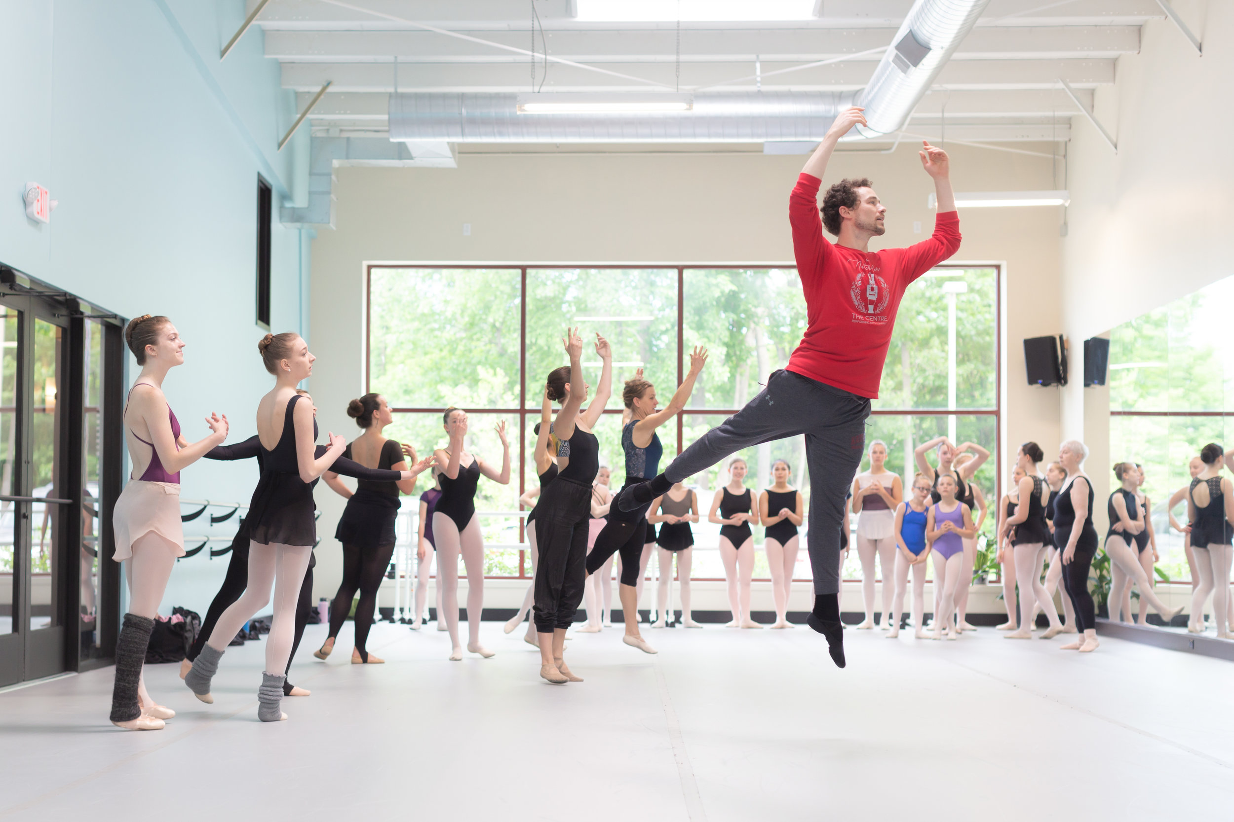 American Ballet Theater Principal Dancer Cory Stearns teachers a master class at Lines.  © Luke Awtry Photography