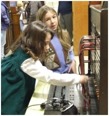Hands On Fun ! - Girls learning about early telephone switchboard