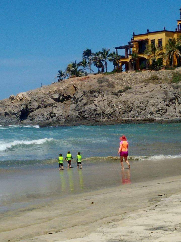 los cerritos beach in todos santos