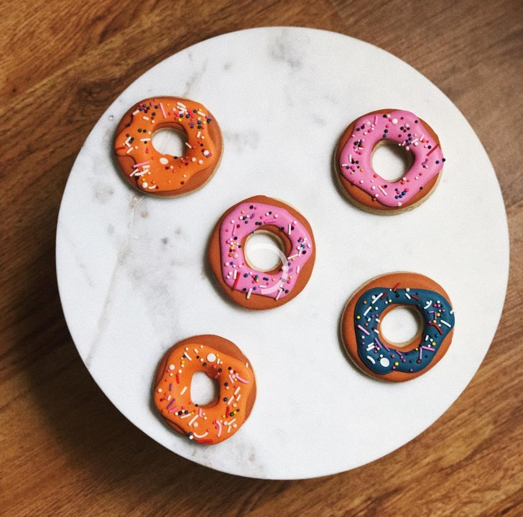 Basic Babe-Doughnuts.png