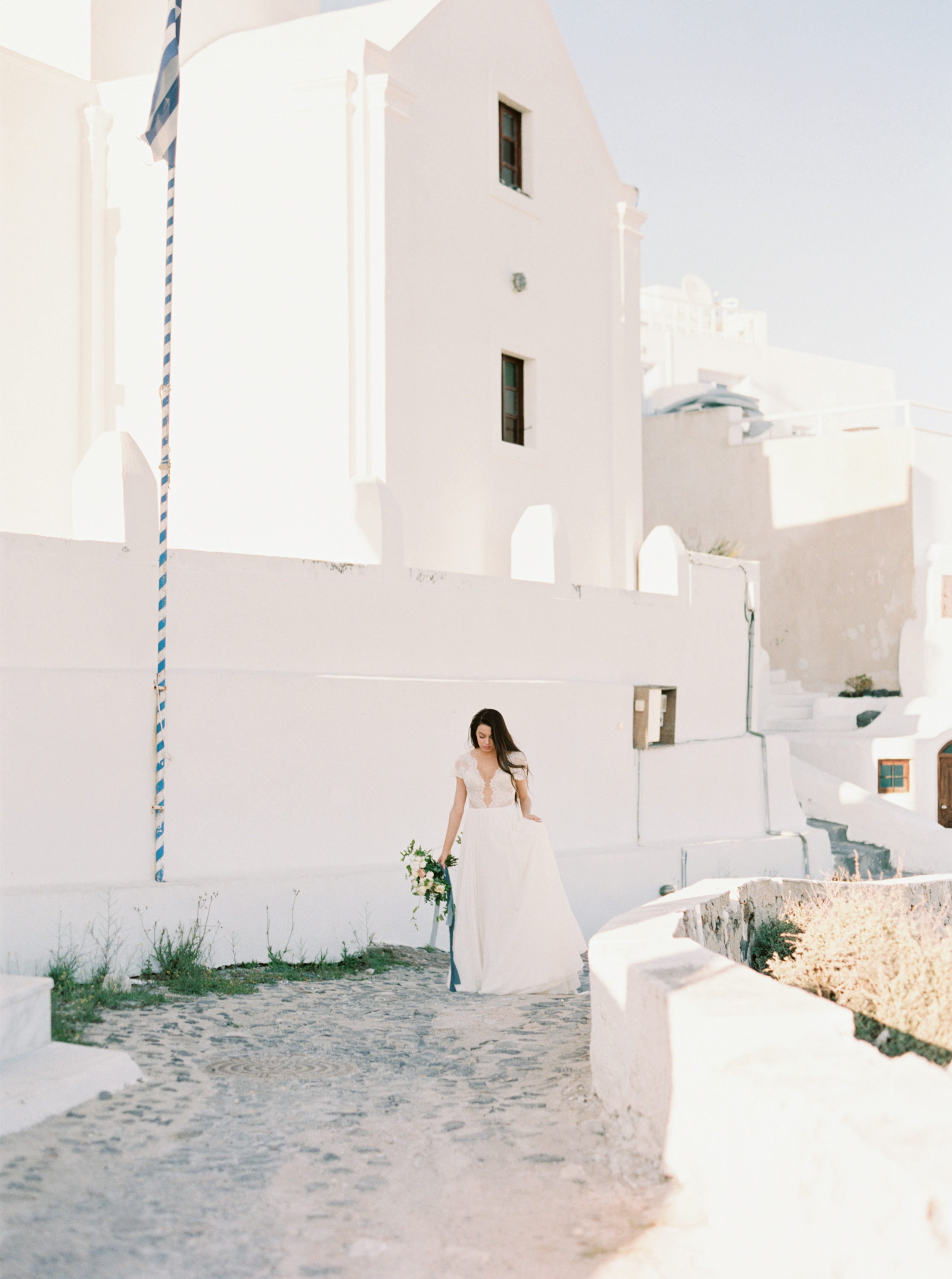 trynhphoto-photographer-destination-Santorini-Mykonos-Italy-France-wedding-photographer-destination-weddingplanner-59.jpg