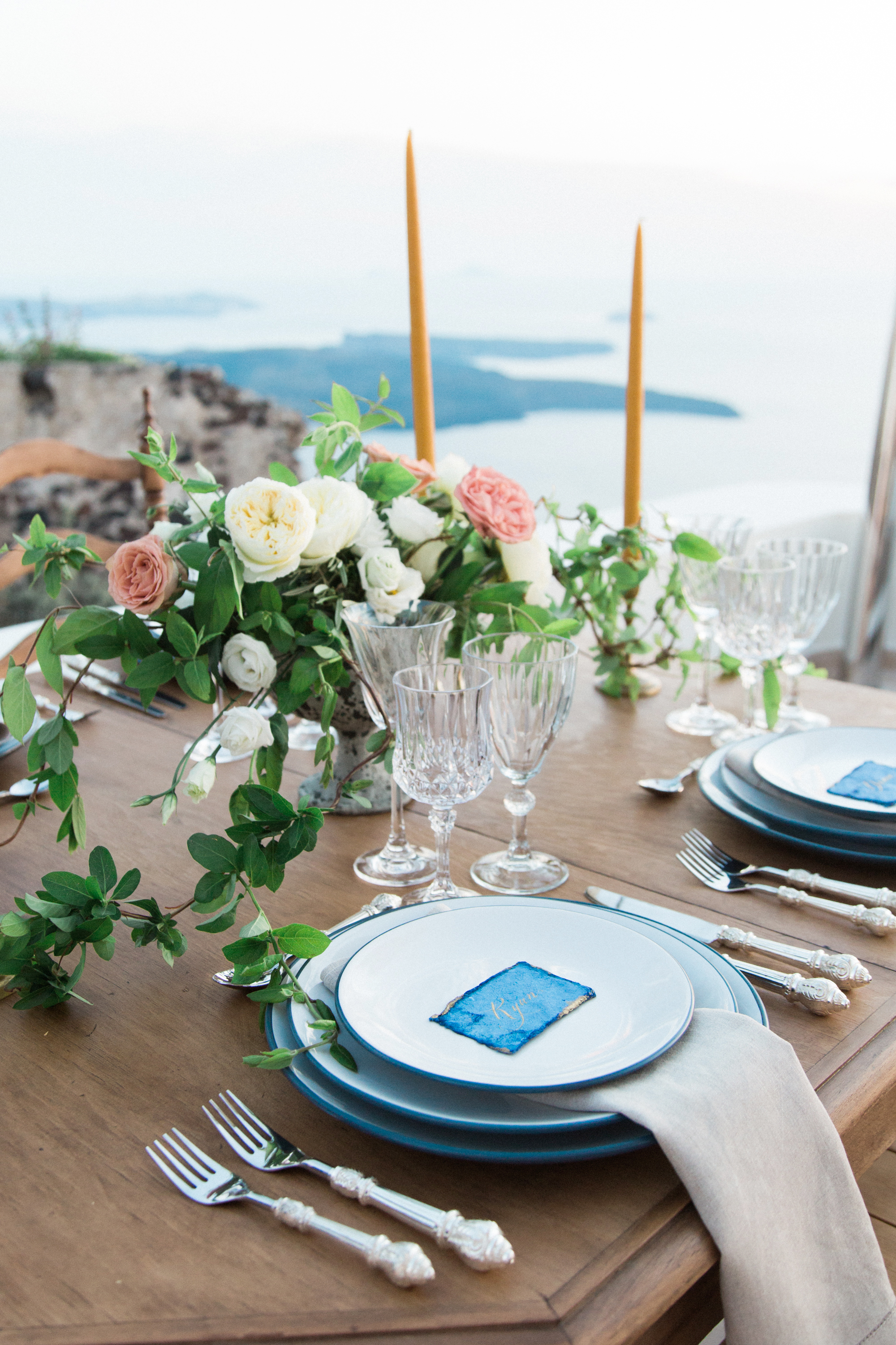 trynhphoto-photographer-Santorini-Mykonos-Italy-France-wedding-photographer-destination-weddingplanner-29.jpg
