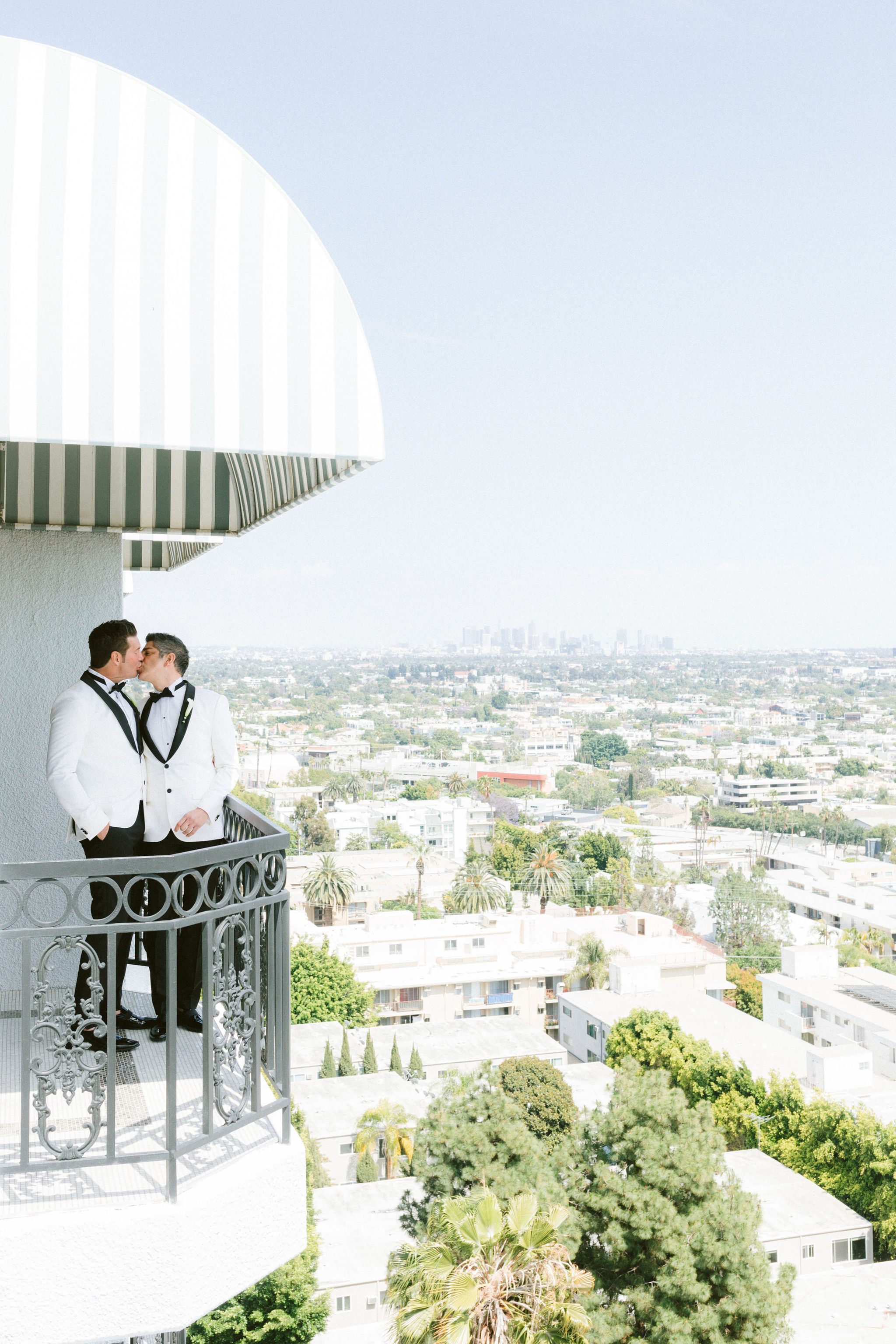 The-London-Hotel-Wedding-B-V-F085.jpg