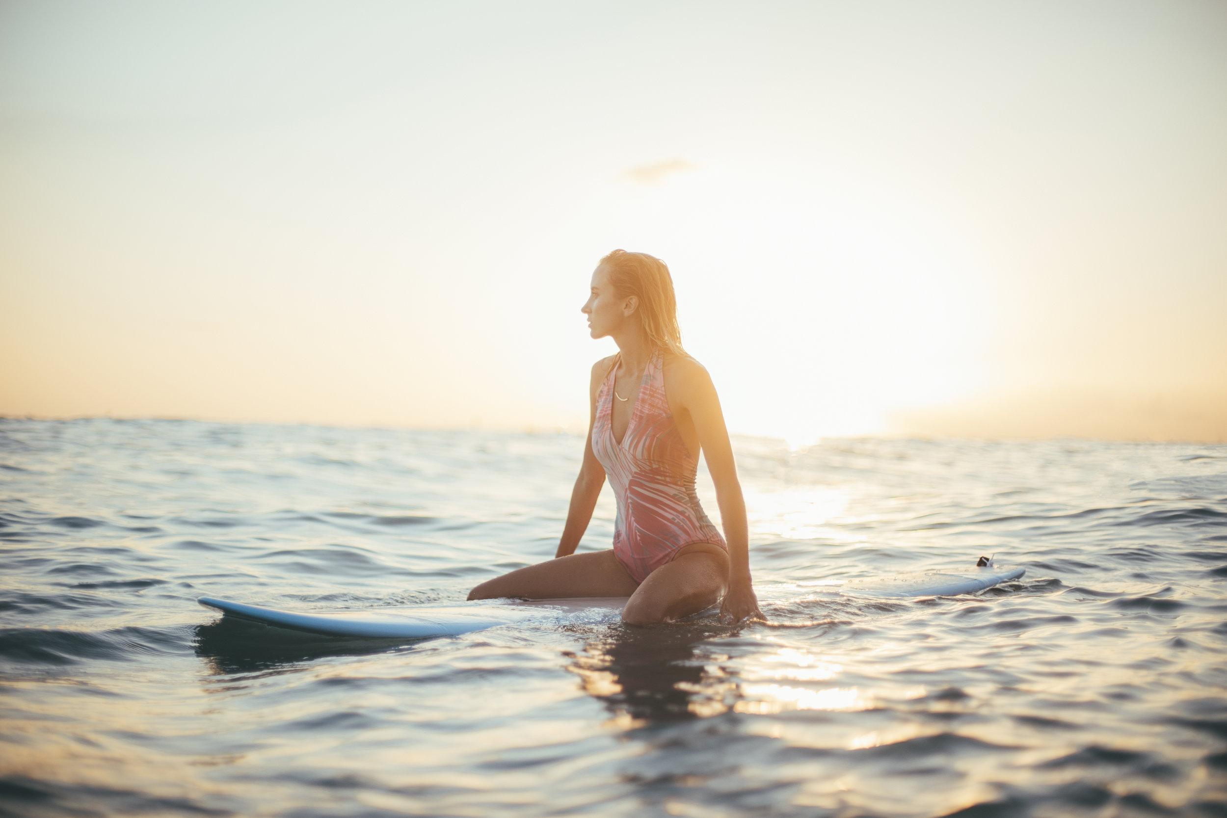 """""""On ne peut pas arrêter les vagues,mais on peut apprendre à surfer."""" - Jon Kabat Zinn"""