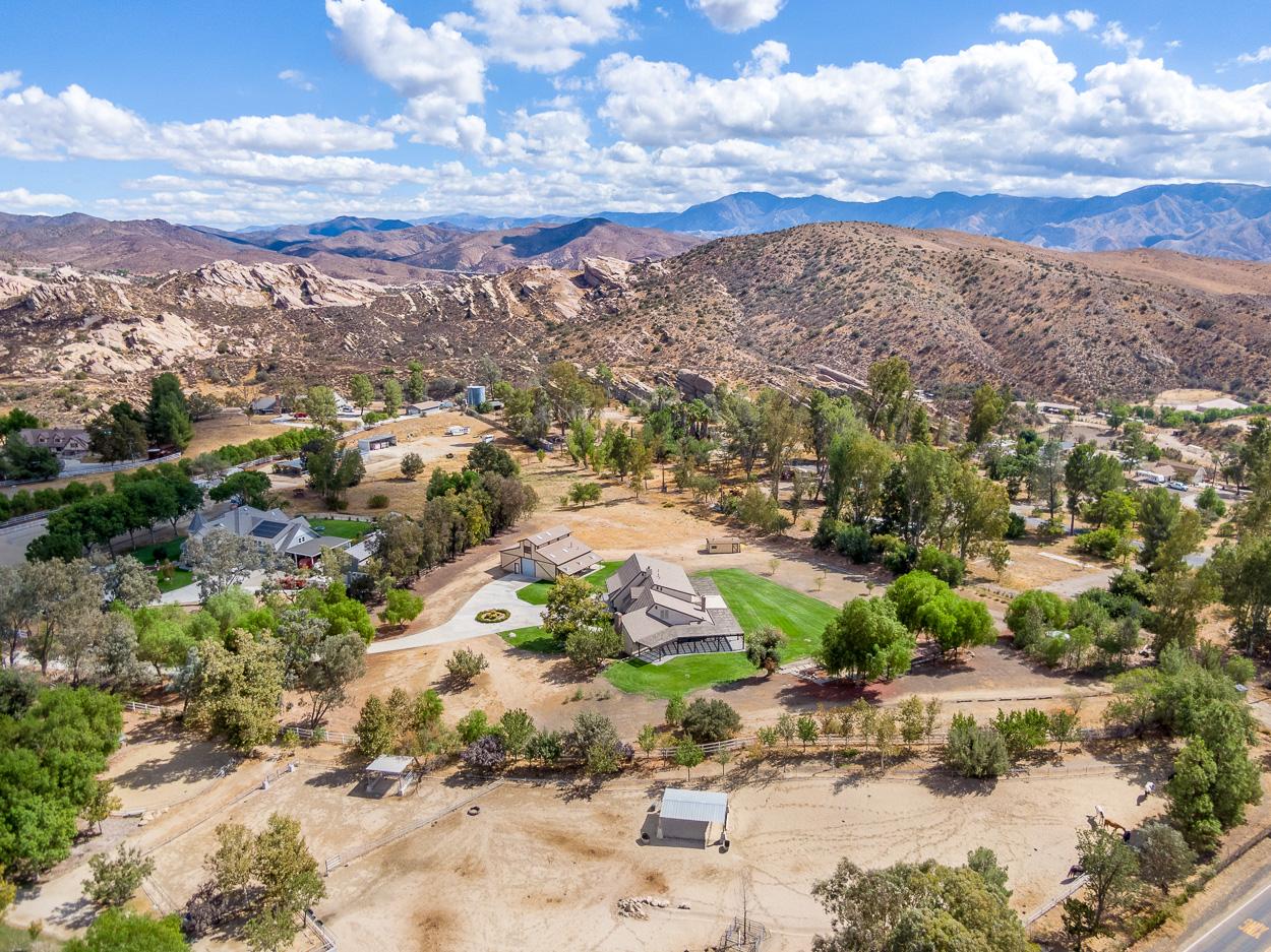 Agua Dulce Ranch-1.jpg