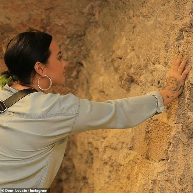 19178044-7526981-Pilgrimage_The_Get_Back_singer_also_touched_the_Western_Wall_in_-a-4_1569972804685.jpg