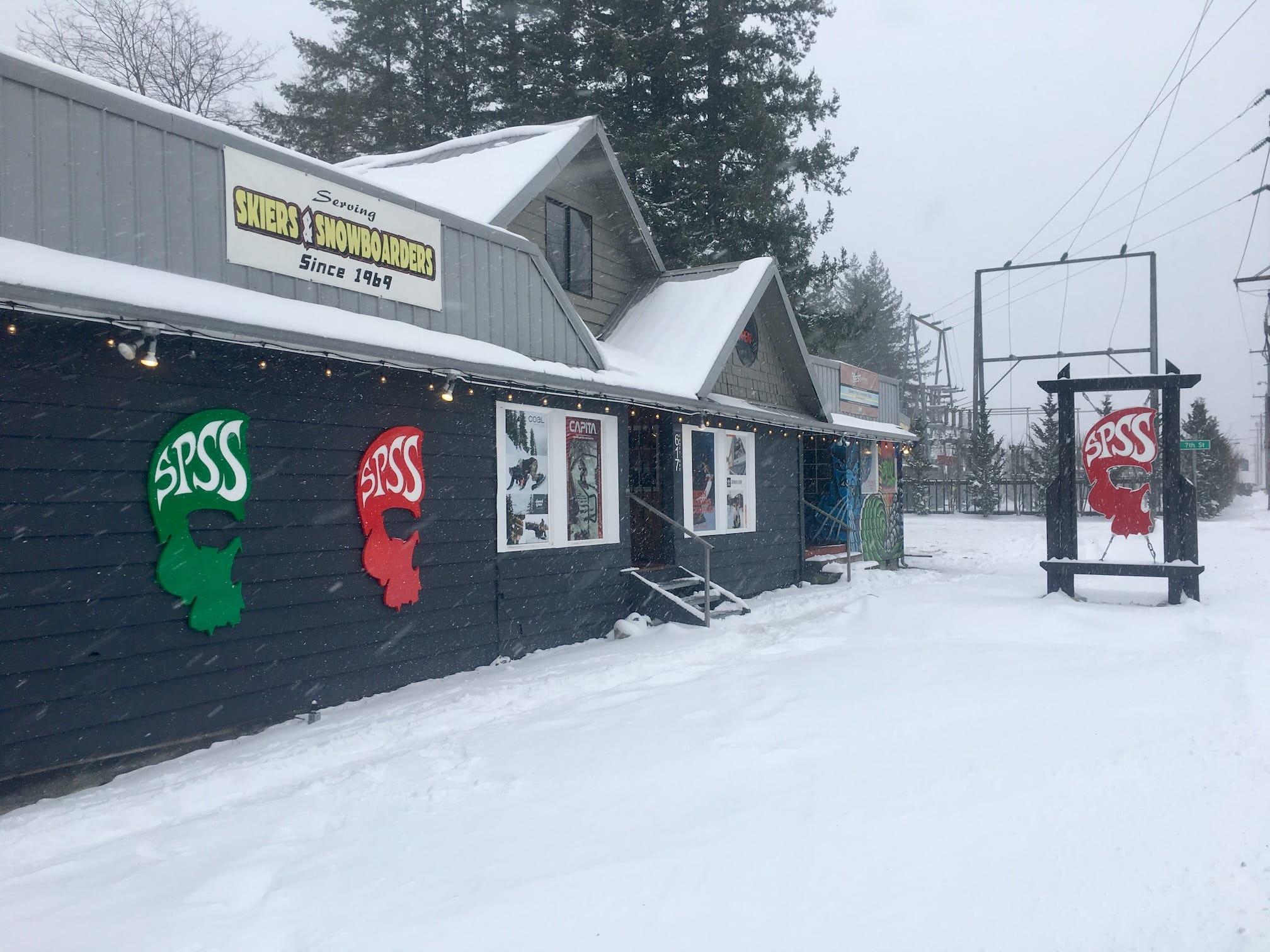 Snowy Shop 1.jpg