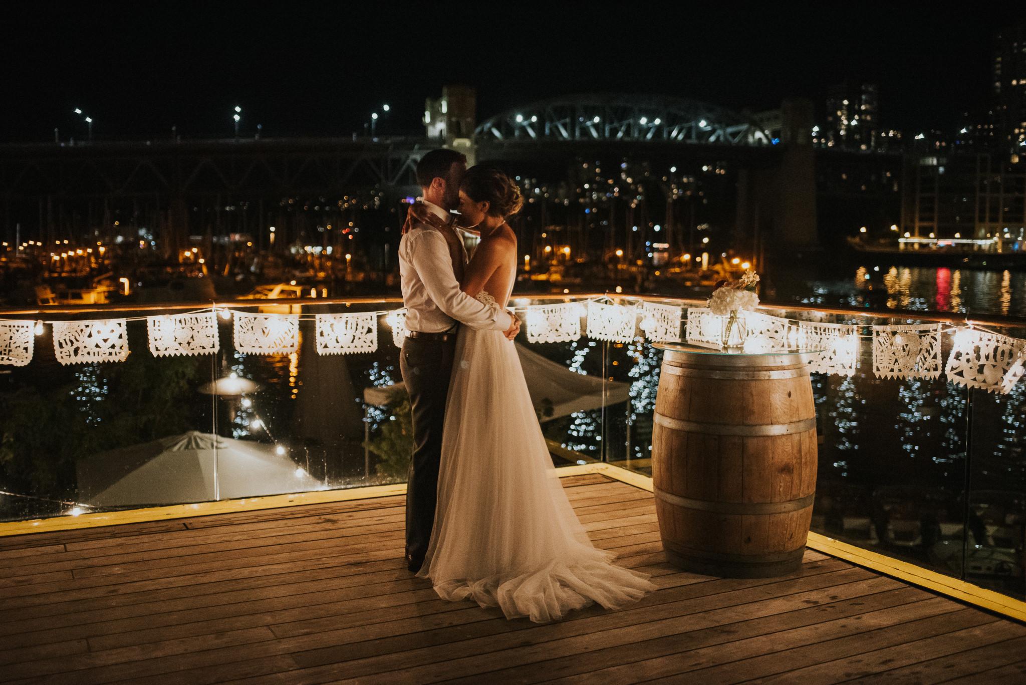 225-bridges-granville-island-vancouver-wedding-ayakopaddy-web-5466.jpg