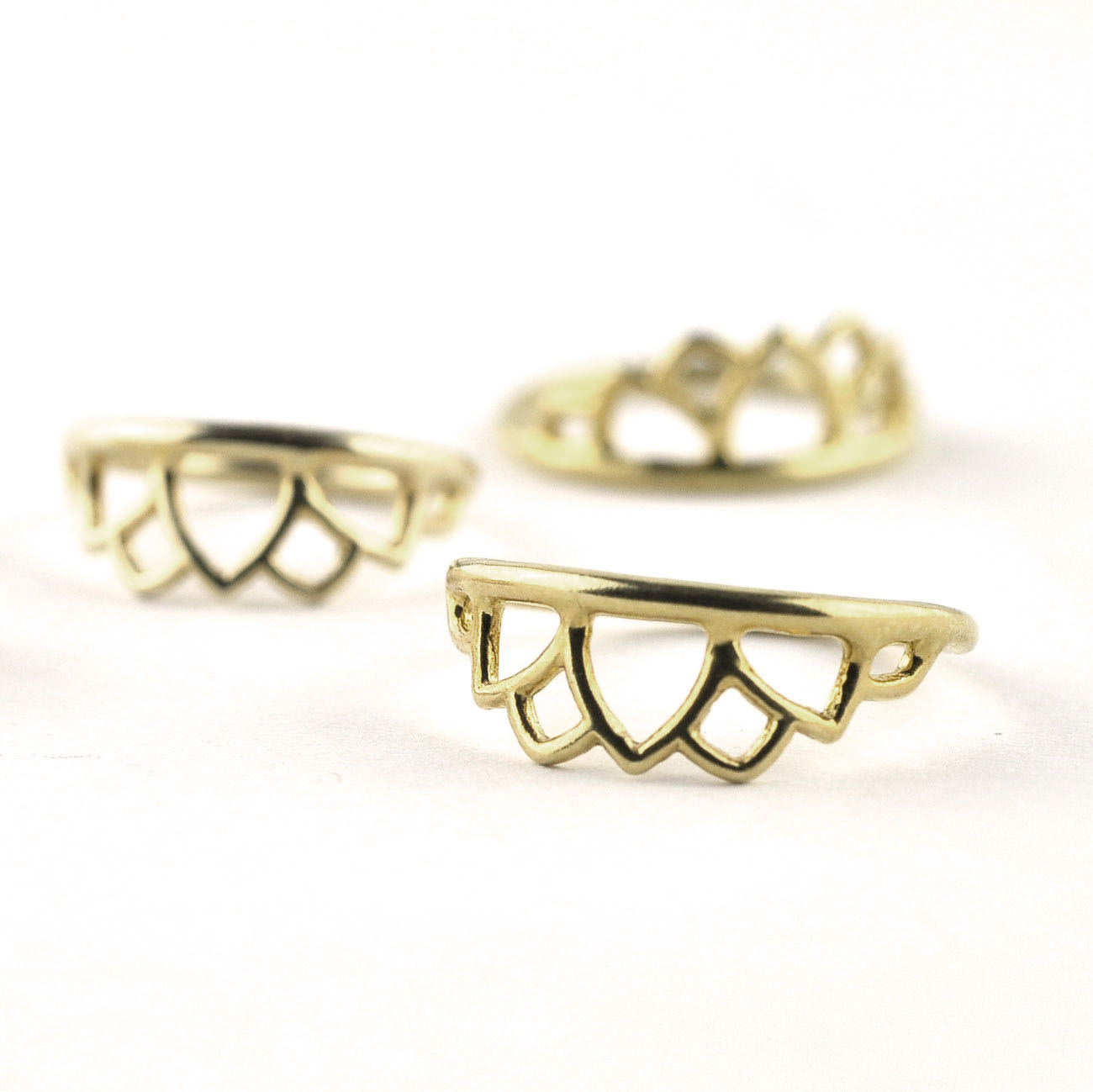 M6-9ct yellow-gold-flower-petal-knuckle-ring.jpg