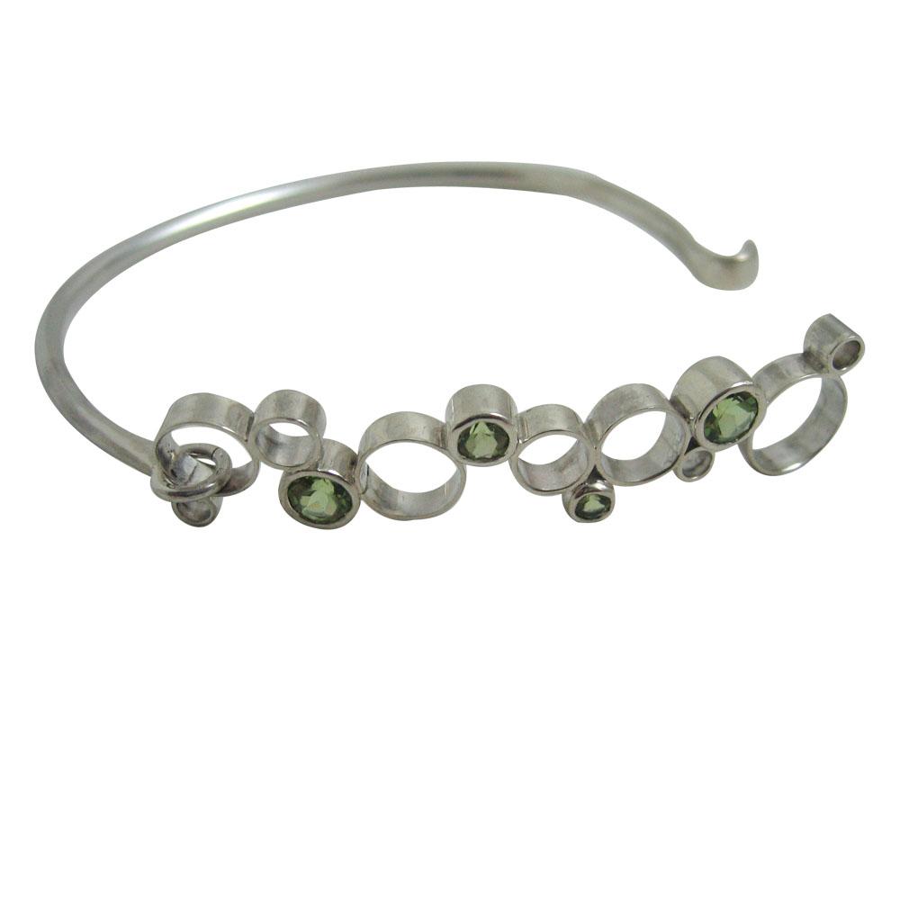 peridot circle silver bangle.jpg