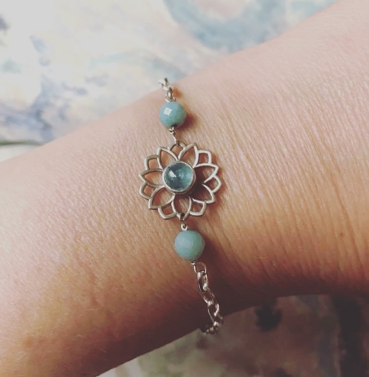 Joanne Giusti - I absolutely love my new bracelet- with calming aquamarine as the main stone... it's a tiny stone and I've never been into that, but I've been feeling calm so that can't be bad. It was really nice to chat with lovely Sinead... her work is beautiful and so is she- she also rocks her curls... have a lovely day xx💕🌟