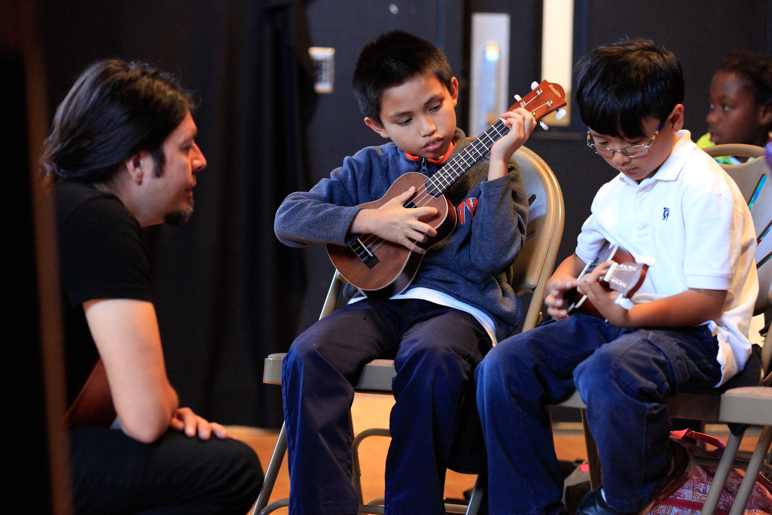 MV_ukulele343496x00-1.jpg