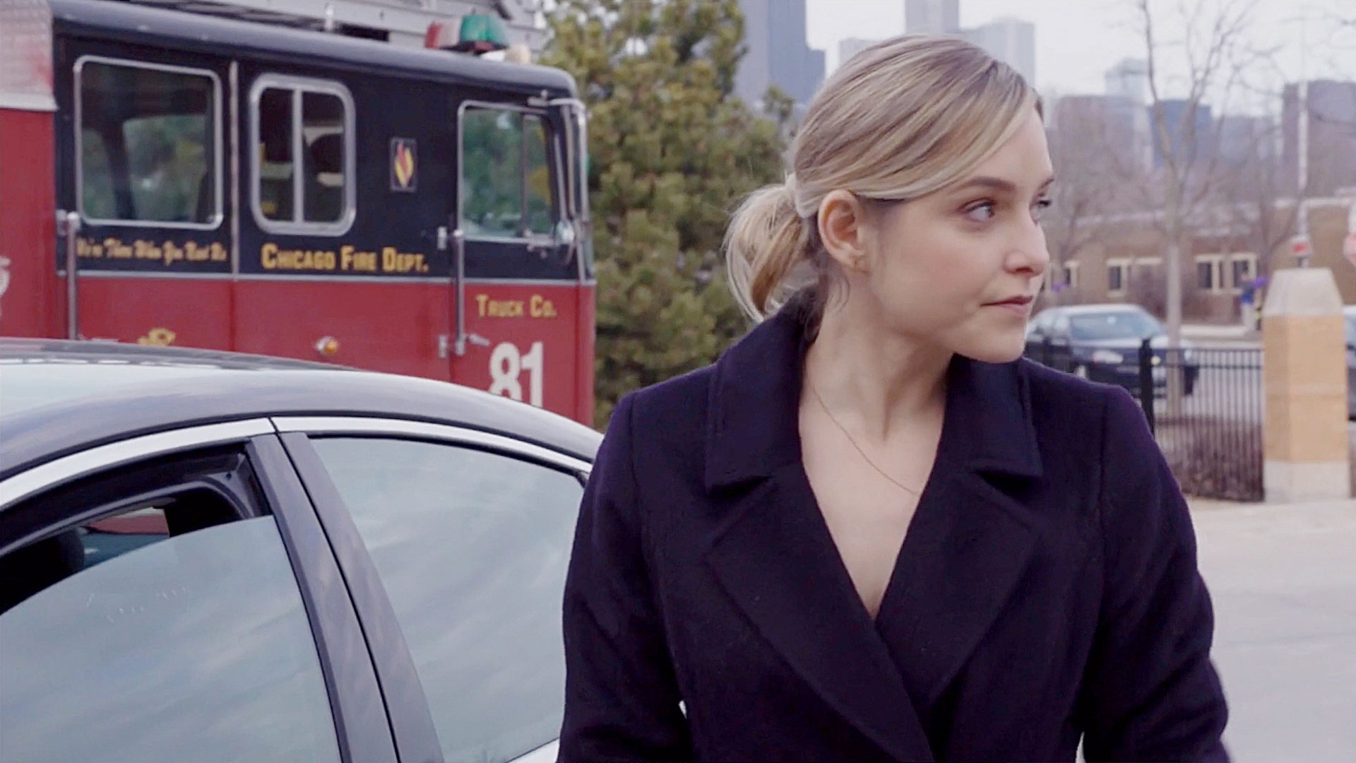 S4_Chicago_Fire_Jenny_Mollen_163_WEB.jpg