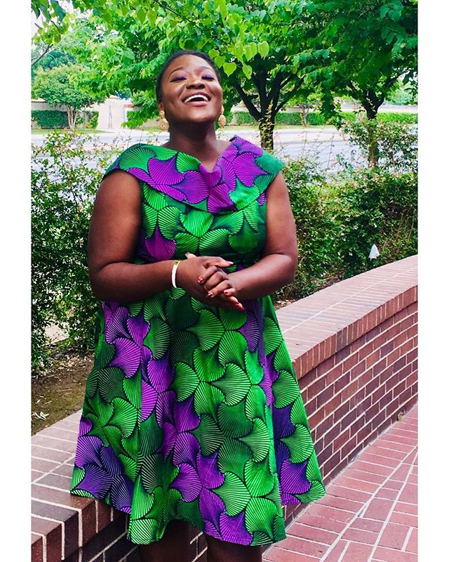 May you always have a reason to laugh and smile 😍😍😍💃🏿 . . . 📸: @debbiecolemansun  #ankaradresses #naturalhairstyles #ankarastyles #dresses #blackgraduates #blackgradsmatter #naijafashionista #igbogirls #summeroutfitideas #bloggerstyle #bakersfield #bjsbrewhouse