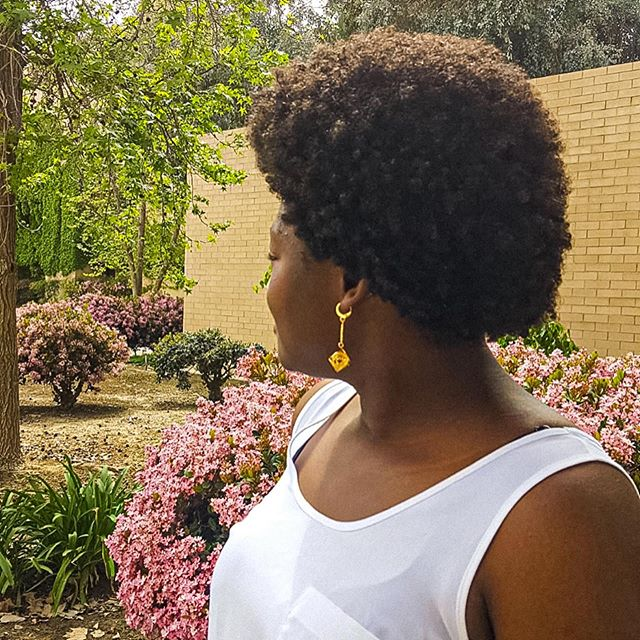 My usual go to hairstyle is either a fro puff or a bun. I'm usually stuck on these type of natural hairstyles because I think it's more professional and appropriate that I lose site of appreciating the other hairstyles out there. I have to constantly remind myself that my hair is capable of being versatile and that I should embrace what texture or shrinkage it brings with it. So here's to me trying to me learning to rock my Afro and love it. 🔺 🔻 P.s: this picture was taken last year. Have you ever rocked an Afro before? Comment down below on what you like about Afros.😘 #afrostruggles #hairstyles #slefacceptance #naturalhairstyles #afro #afrohair #naturalhairblogger