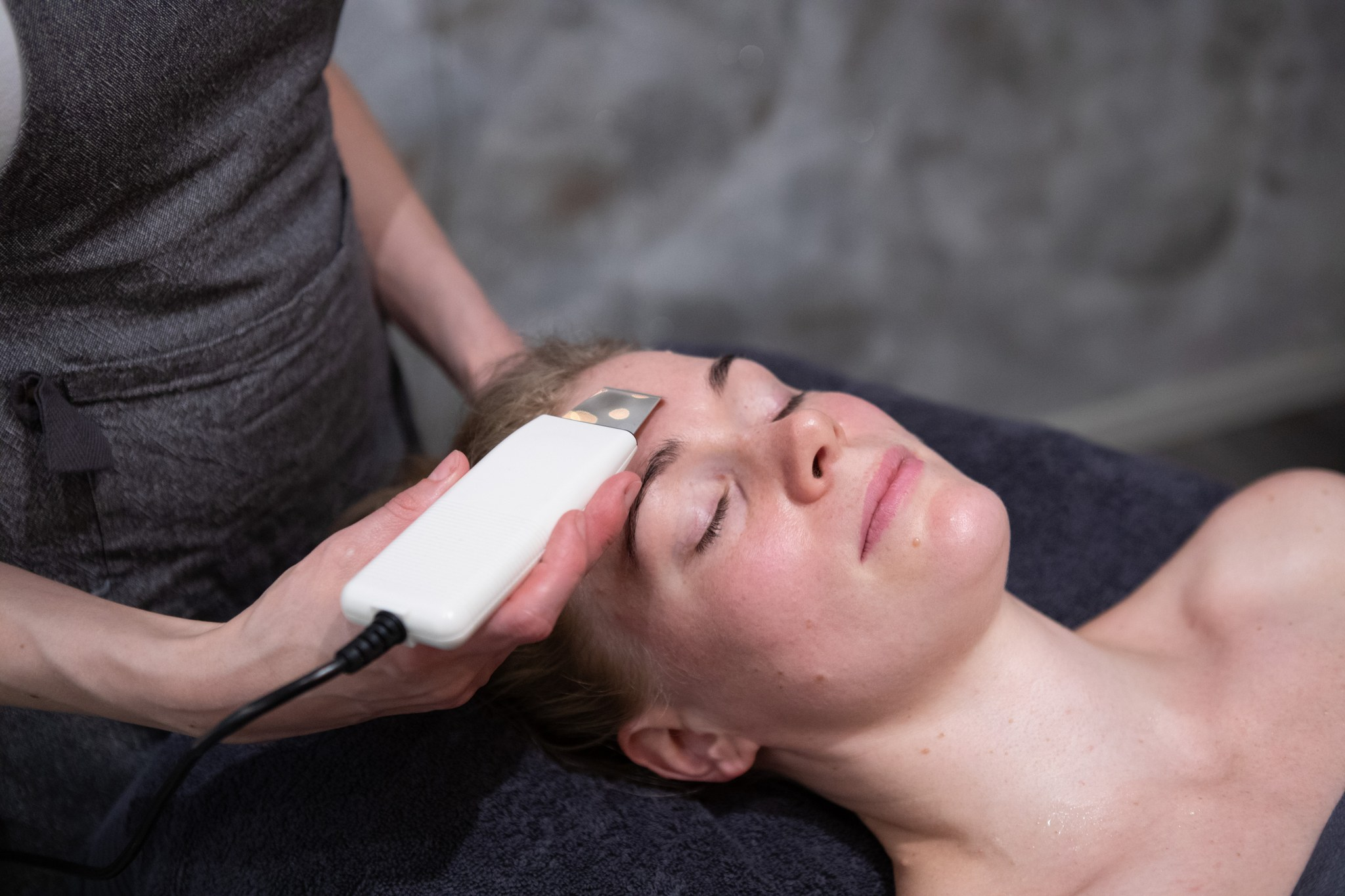 laitehoidot kasvoille - Tuloksellista ihonhoitoa turvallisesti.