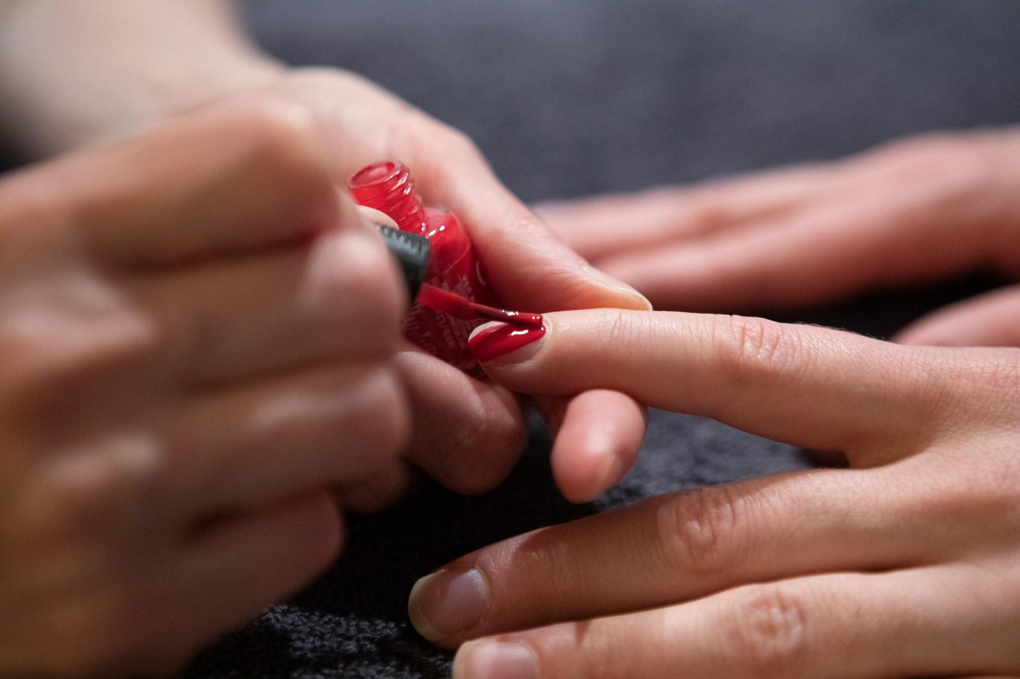 käsihoidot - Pehmeät, sileät ja hyvin hoidetut kädet arkeen tai juhlaan!