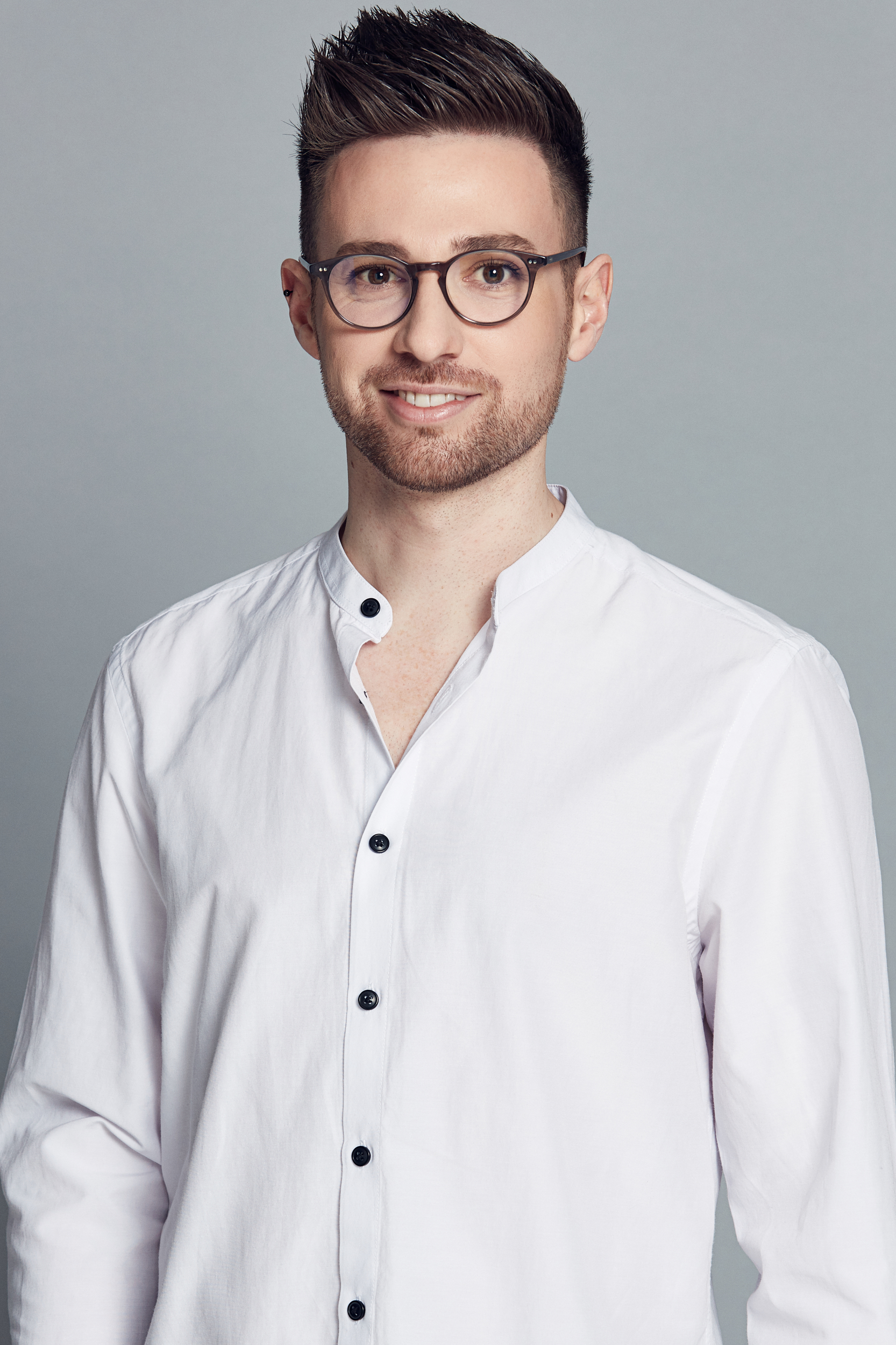 Ryan King - Senior Stylist | Senior Account ManagerRyan joined Cooper Robinson in 2012. Mentored by, and working alongside Megan for a number of years, Ryan has worked across all facets of the business and has been instrumental in developing key processes and styling direction for the broader styling team.Ryan has a passion for interiors and design and brings with him a wealth of knowledge and experience spanning many creative industries including Costume Design & Fashion Manufacturing, Dance & Theatre, and Interior Design.As a Senior Stylist & Account Manager, his focus is on providing outstanding design and styling outcomes for our clients while adapting to current market trends. With a collaborative approach, Ryan thrives on creating beautiful, cohesive interiors while remaining true to the Cooper Robinson aesthetic.