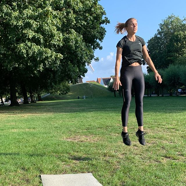 You can do anything. 🚀 . . . .  #strong #stronglegs #jump #Bruges #training #personaltrainer #health #lifestyle #healthylifestyle #sport #summer #mentalhealth #bodyandmind