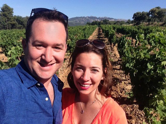 - ON Y VA is a love letter to the French countryside, fulfilling wine importers Alex + Julie Milligan's desire to easily bring exceptional French wine on all their adventures. Sans corkscrew, bottle, cups. Sans hassle.