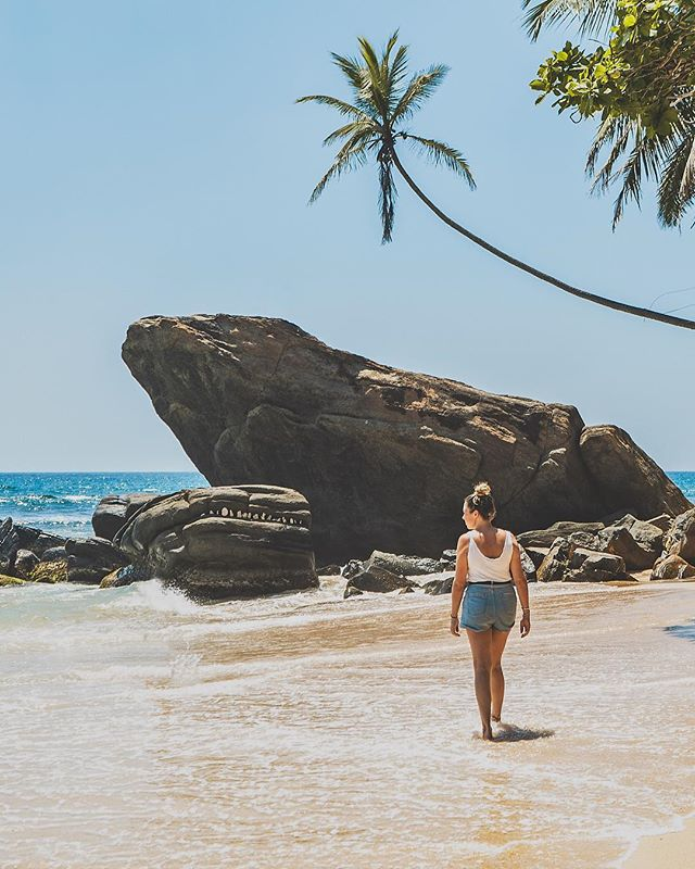 It's been hard to post this picture showing the beauty of Sri Lanka after what has happened there. Especially in a country where everyone is so friendly!  This photo is from our last day as we made our way back up to Colombo. This quiet beach was the perfect way to end our trip.  #sonya7iii  #srilanka  #travelphotography  #dubaiphotographer  #beach  #palmtrees  @sonyalpha  @sonymea  @destination_srilanka
