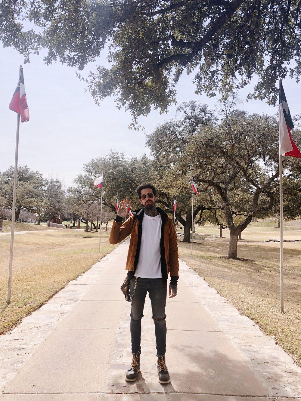 Austin Travel Guide - —————