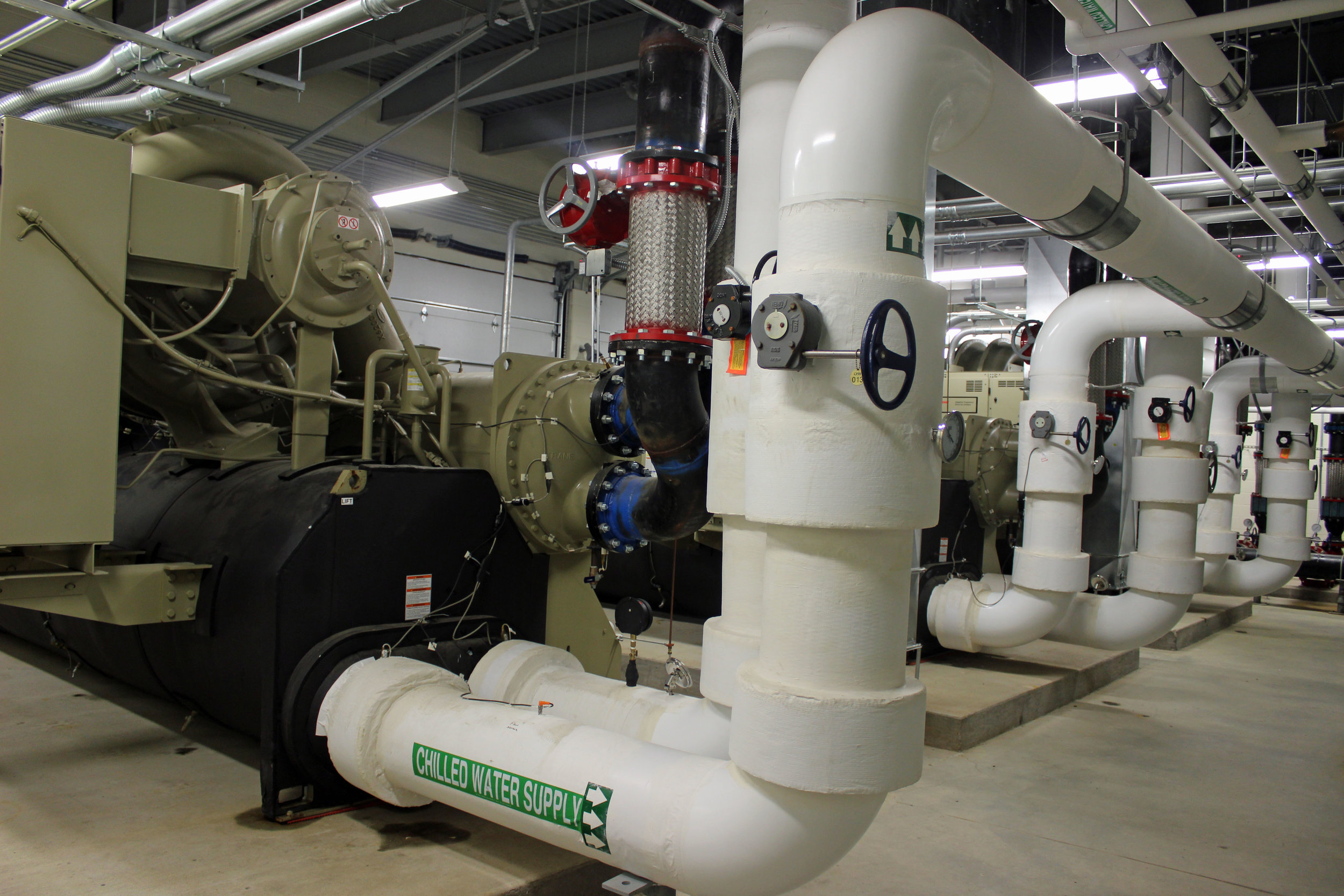 Key Details - Mechanical ProjectHVAC New Chiller Plant650-ton Centrifugal Chillers