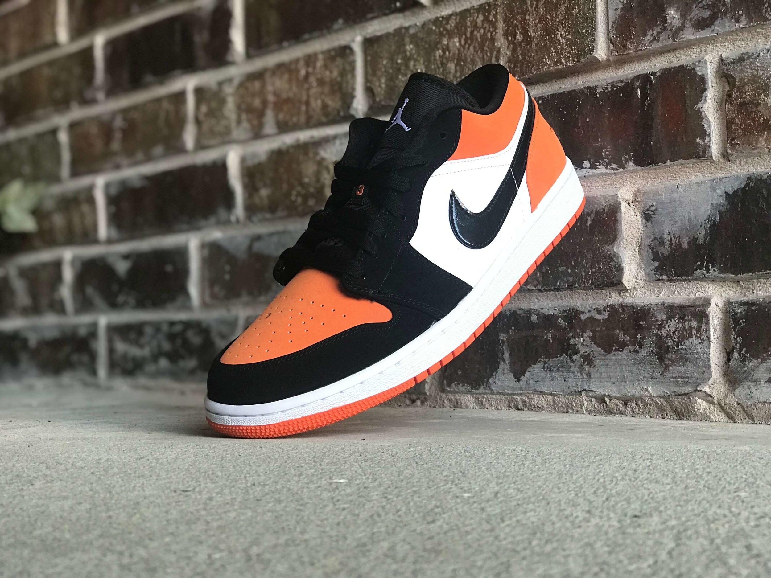 Sneaker Review Air Jordan 1 Retro Low Shattered Backboard