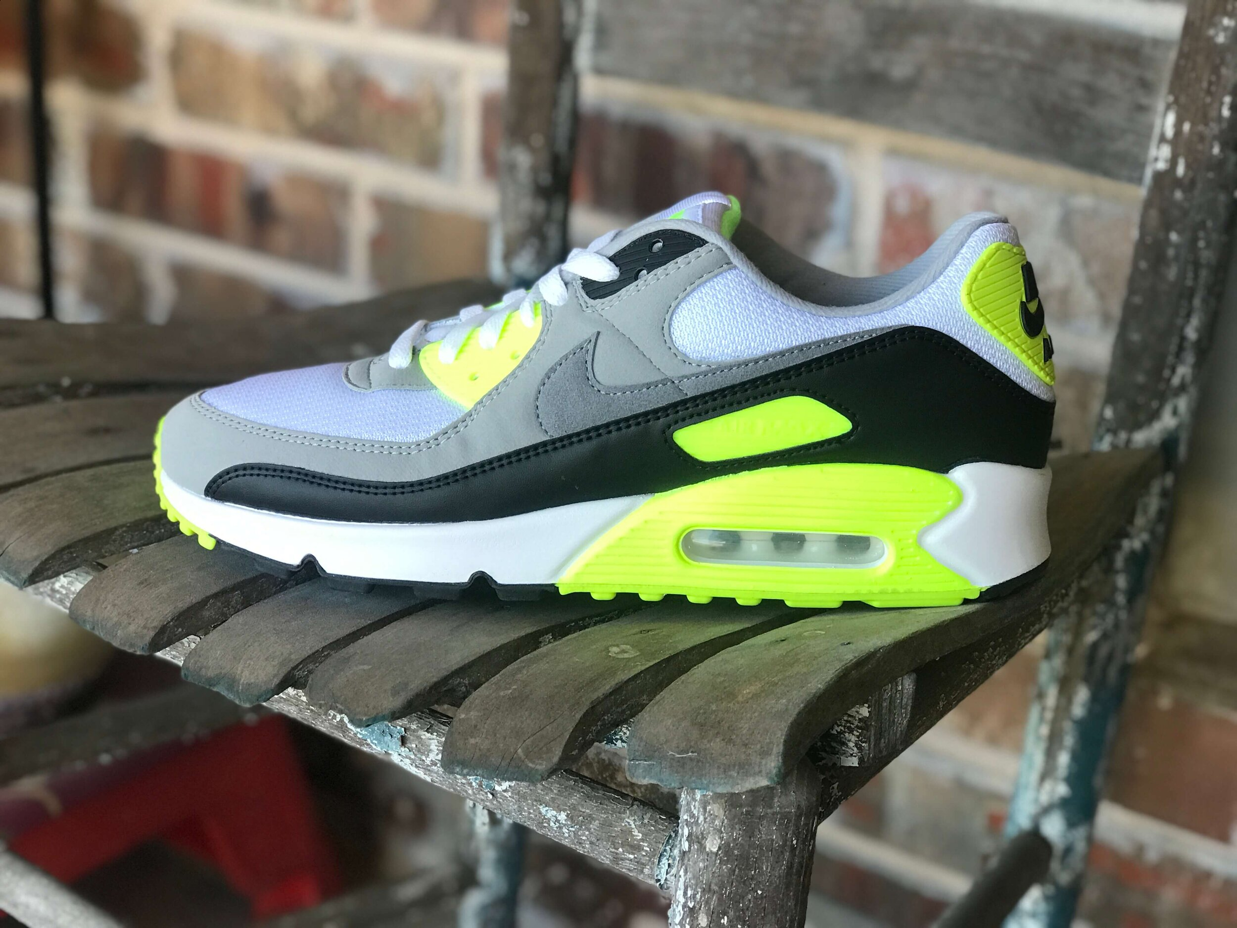 A Detailed Unboxing Of The 2020 Nike Air Max 90
