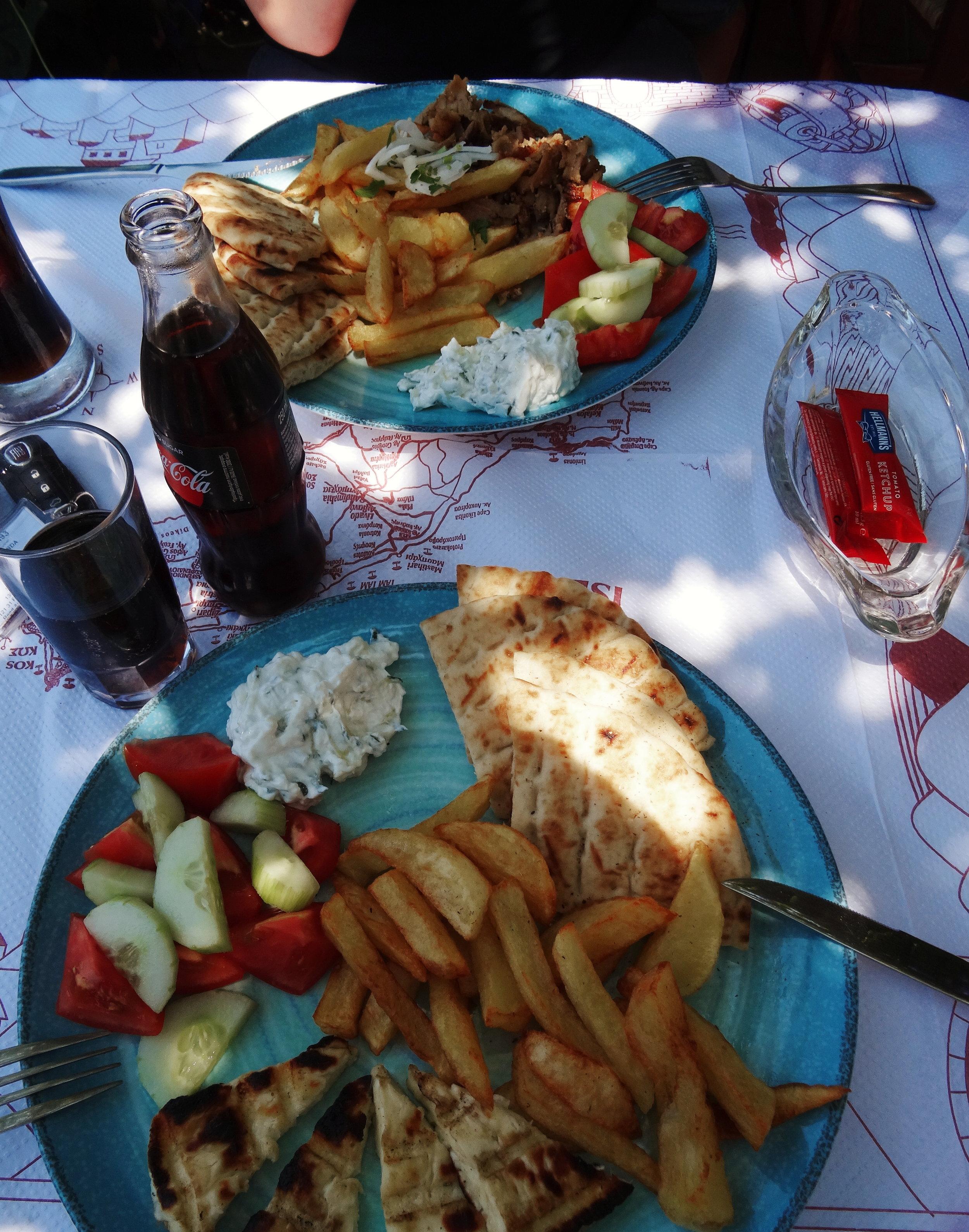 kos-kreikka-ruoka-gyros-mona-kajander-matkablogi