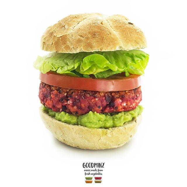 Our Perfectly Purple GOODMINZ quarter pounder – No2 of 4 in our simple classic 🌈 burger series 😍😍 On the platter is Purple GOODMINZ's 5 veggies (beetroot, sweet potato, celeriac, carrots, cauliflower), quinoa and chickpeas in the burger, topped and tailed with smashed avo, a slab of juicy tomato and crisp lettuce in a warm crusty bun 😋No fake meat, no soya, no bleeding stuff, just pure and simple veggie-powered goodness 🌱👏🌱👏Happy Sunday everyone…👍