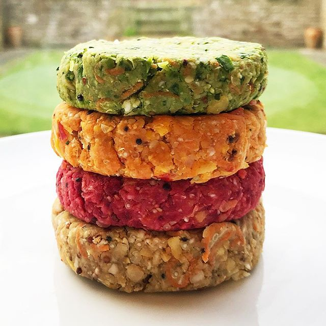 💡🤔 Moral for the day – when making samples MORE is MORE! 👏👏 Today's lunch – overs from yesterday's sample making – a GOODMINZ 🌈 burger stack just waiting for the pan…🌱😍 . . . . #goodminz #veggies #rerootfoods #vegan #veganuary #eatmoreplants #plantbased #vegetarian #yesitsvegan #vegan #veganfood #vegansofig #veganshare #delicious