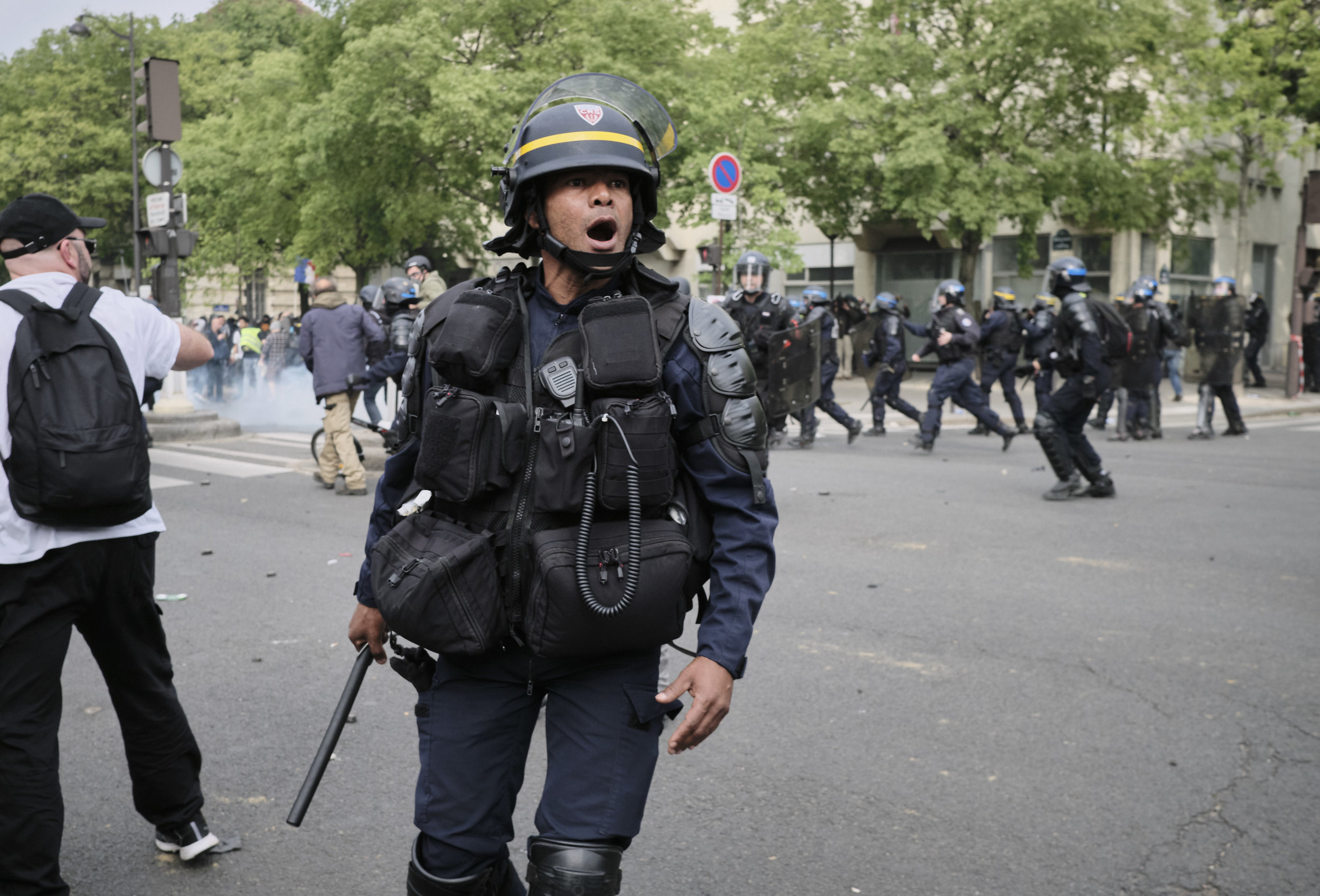 Enraged police officer during a confrontation with the protesters at The Avenue des Gobelins.
