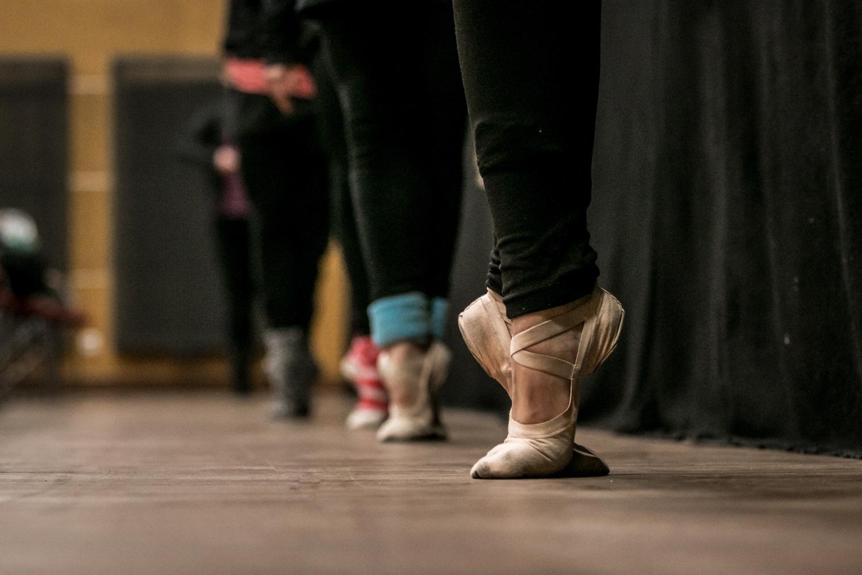 ballet-class-feet.jpg