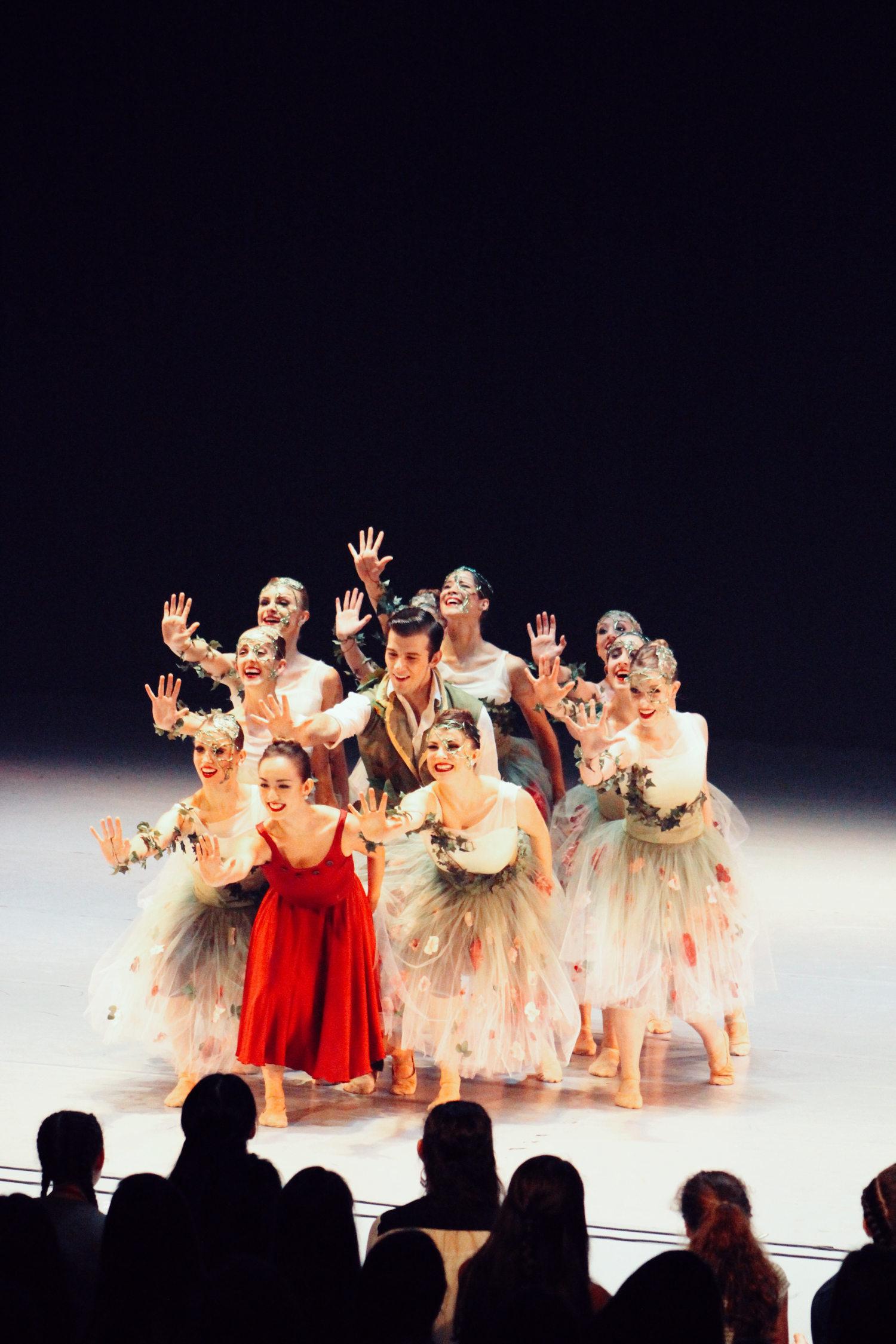 dancers-reaching-into-audience.jpg
