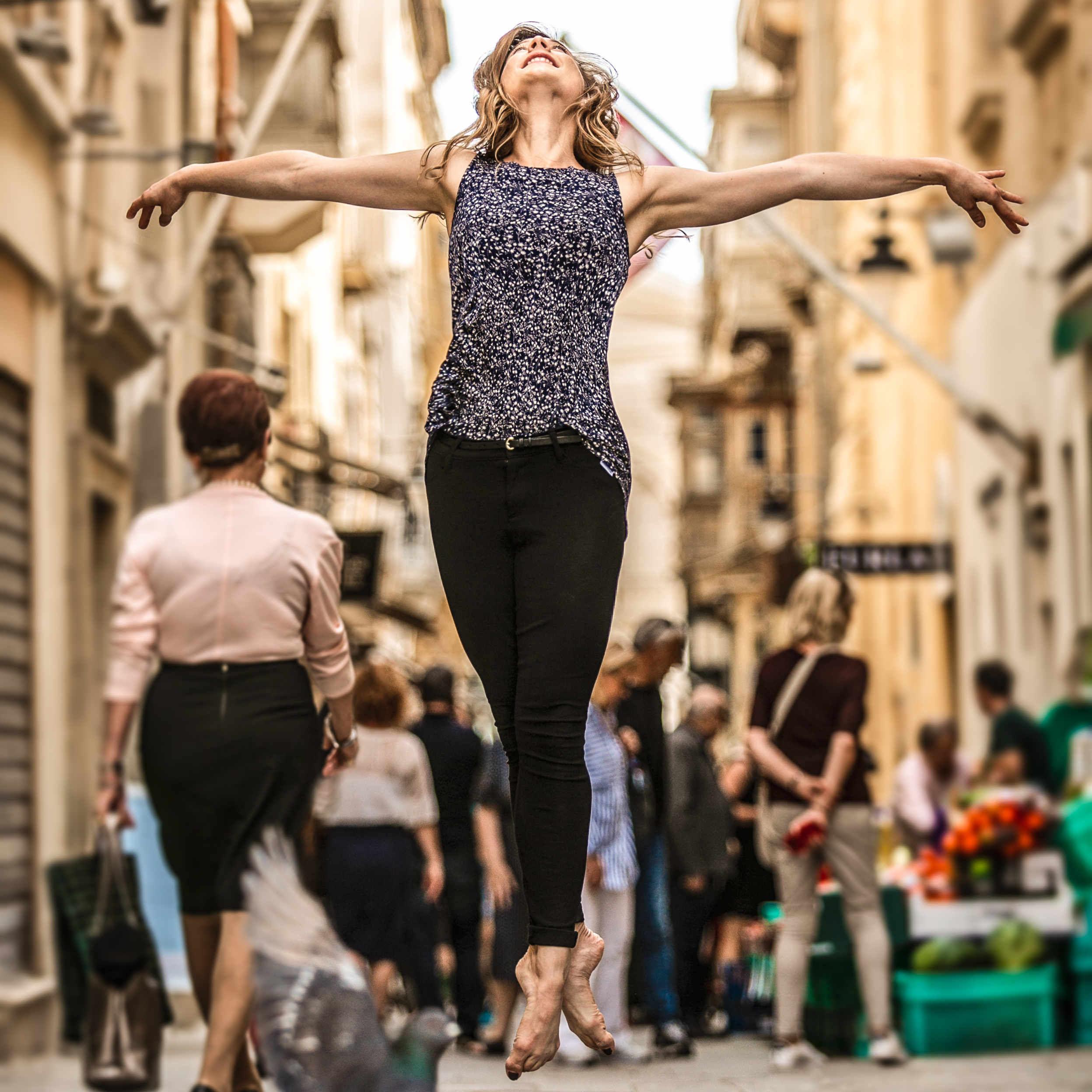 dancer-jump-outside-square.jpg