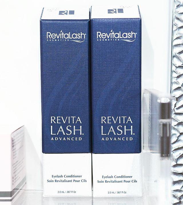 Les produits #revitalash sont en vente chez Carlota ! Démarrez la cure dès maintenant pour être au top cet été ! @revitalash.france @institutcarlota #cilsparfaits #cilsexpert #carlotaparis #institutcarlota #beautytips