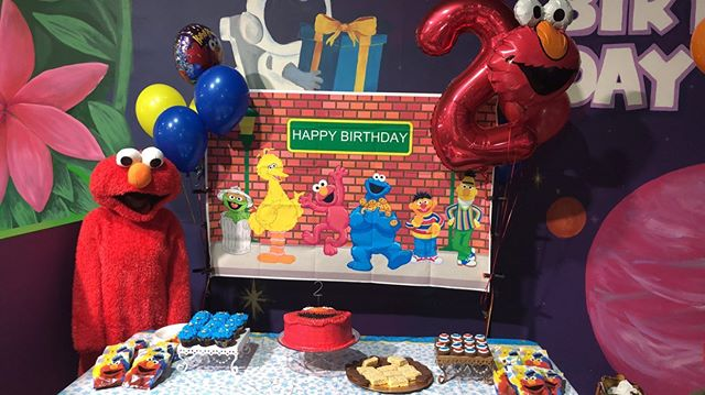 Elmo themed birthday from today!🧡❤️🧡❤️🧡