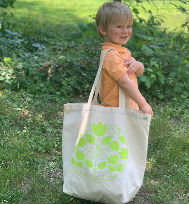 I was taking pics of our new Sustain Local totes and Joseph wanted to be part of the action! ⁣ Look at that smile, a star is born 💫. ⁣ ⁣ Sustain Local totes are now on the website! ⁣They are the perfect size for putting all your grocery shopping needs, or anything in them! ⁣ ⁣ Check them out, link in bio 🌱🌼⁣ ⁣ ⁣ ⁣ ⁣ ⁣ ⁣ ⁣ ⁣ ⁣ #plasticfree #zerowaste #wastefreeliving #alifewithnoplastic #breakfreefromplastic #sustainlocal #plasticfreeshopping #totebag⁣ ⁣