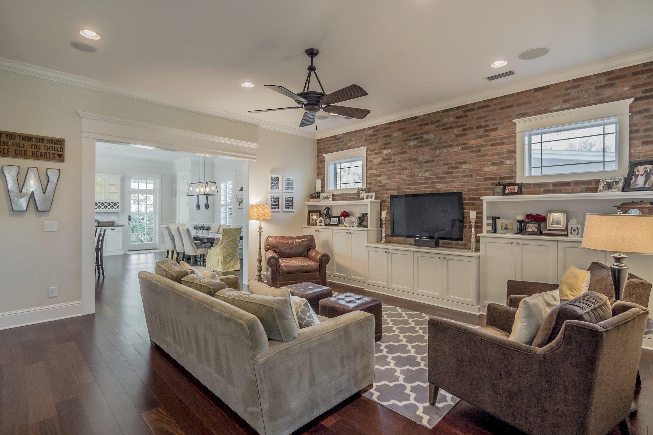 1505 Living Room 01.jpg