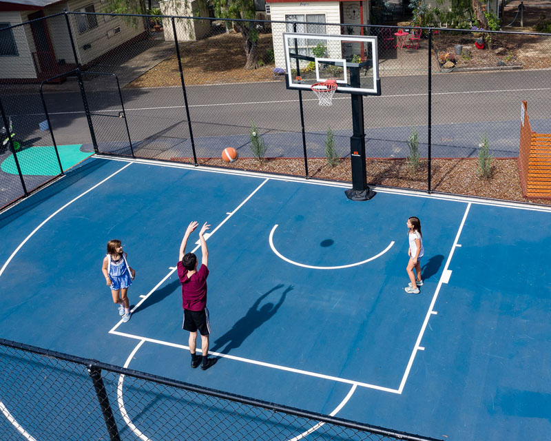 Basketball 1/2 court