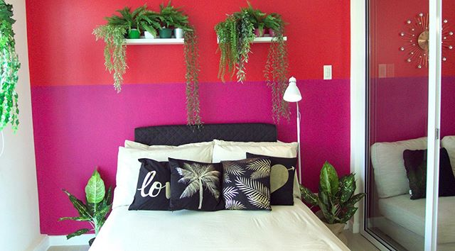 Is this wall color combo YAY or NAY? I say yay, my husband says nay. If nay wins, I have to repaint our Airbnb unit. :( Pls vote by putting YAY or NAY on comment below 👇  #modernbohemian #bohemianmodern #modernbohemianstyle #pinkwalls #mexicancolorscheme #bohochic #airbnbbyteamvendo #interiordesign #smallspaceliving #smallspacesquad