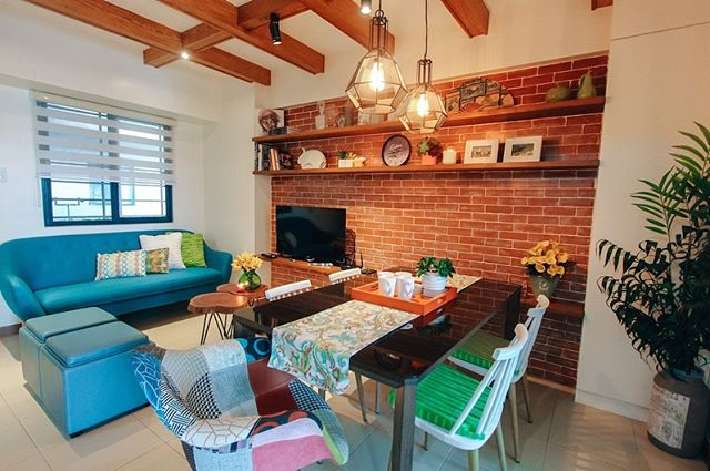 Full of charm and character, this Airbnb is in Mandaluyong City, right at the heart of Metro Manila. You're lucky if you get an open date, this listing is almost always booked! With 2 bedrooms, a private bathroom and a walk-through kitchen. You can also have a grand view of the city from the very spacious private balcony. Flat screen TV, WiFi internet, cable, cooking & dining utensils - everything you need it here. Be our guest?  If you want to book this Airbnb, just go to www.teamvendo.com.  #airbnb #teamvendo #airbnbbyteamvendo #flair #dmci #dmciflair #condo #condoliving #smallspacesquad #smallspaceliving #modernliving #vacationrental #vacation #interiordesign
